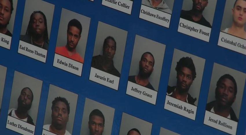 Operativo policial en Miami lleva al arresto de 150 personas y decenas de armas incautadas