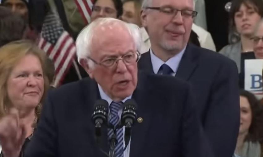 Dos residentes de Florida presentan demanda para impedir que Bernie Sanders se postule como demócrata en las primarias presidenciales