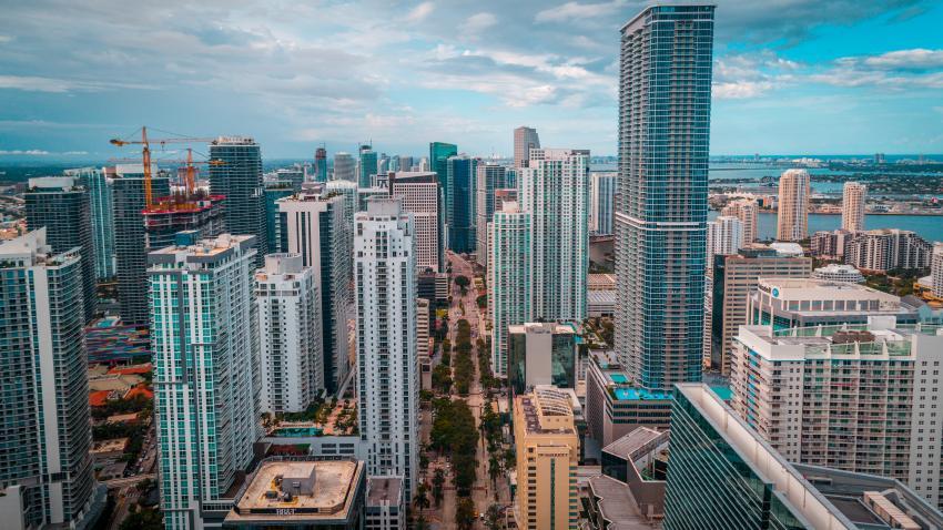 Las ventas de viviendas han aumentado nuevamente en Miami; el precio medio de la casa subió de $ 350,000 a $ 375,000