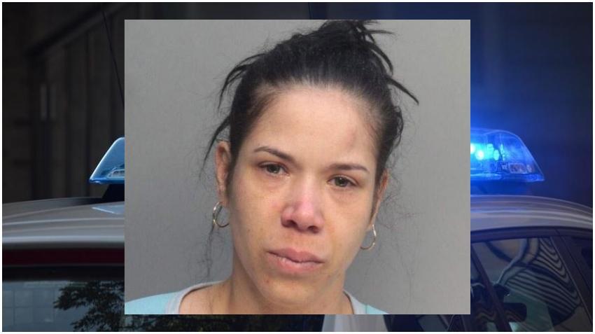 Mujer de Hialeah es acusada de intentar matar a sus tres niños