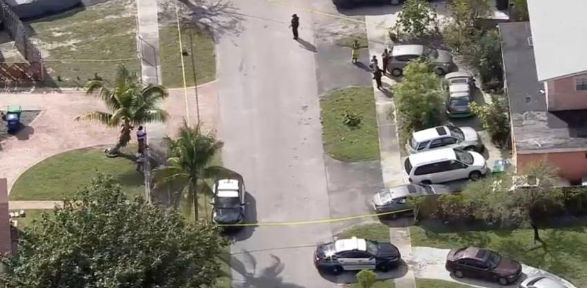 Un padre de Broward atacó a sus dos hijas con un machete esta mañana