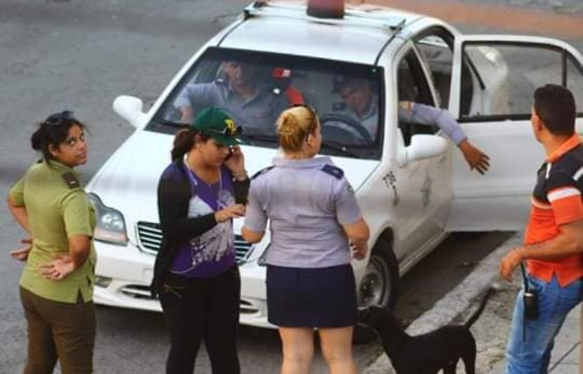 Asedio policial contra las Damas de Blanco, que anunciaron saldrían a las calles en La Habana