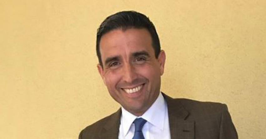 Vocero del alcalde de Miami, René Pedrosa, renuncia debido a una investigación por presuntamente enviar una foto inapropiada a un menor de edad