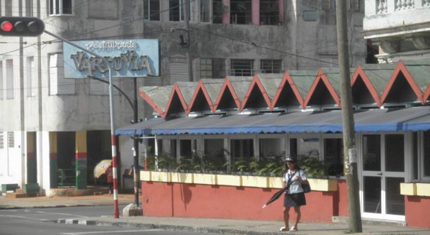 Gobierno cubano elimina el pago en CUC en las unidades gastronómicas estatales