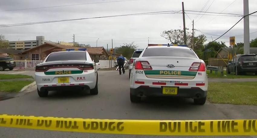Hombre armado dispara a un hombre con un machete en una pelea durante la grabación de un videoclip de rap en Sweetwater