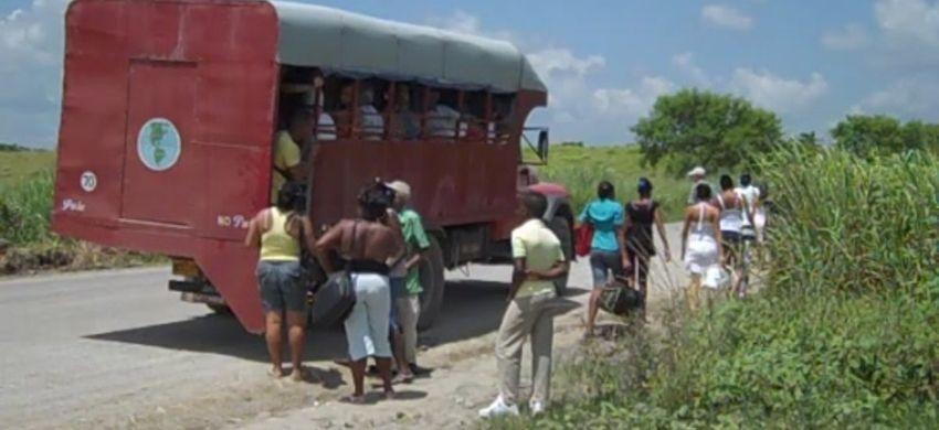 Transportistas privados no están saliendo a trabajar en Artemisa en protesta por las nuevas regulaciones del régimen