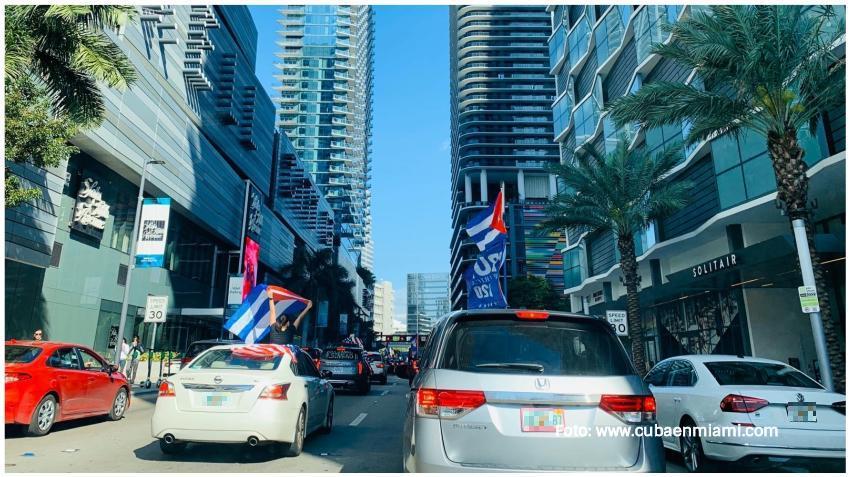 Cubanos convocan en Miami a caravana Patria y Vida
