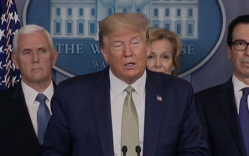 La Casa Blanca planea enviar cheques de $ 2.000 a estadounidenses y $ 300 mil millones para frenar despidos frente a la crisis por la pandemia