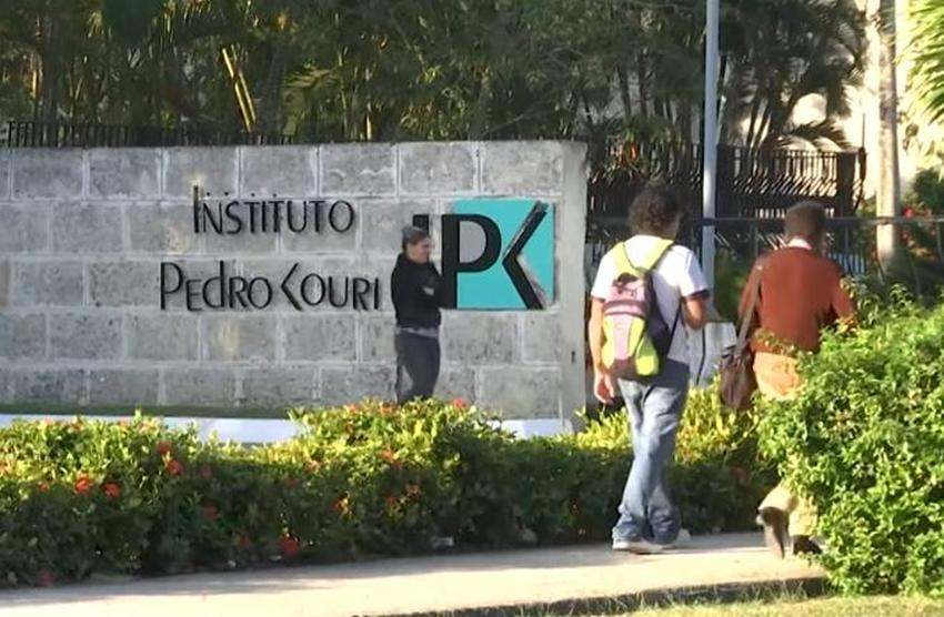 Gobierno cubano mantiene en aislamiento a 13 viajeros de Estados Unidos por sospecha de coronavirus