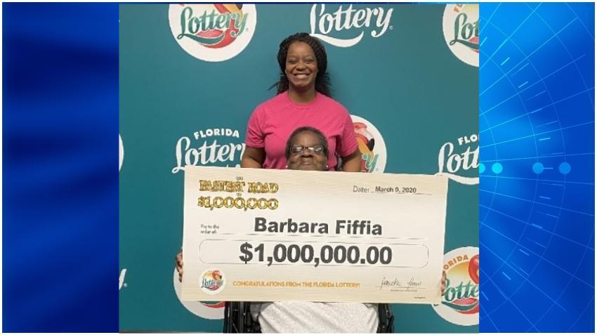Una mujer se gana $1 millón de dólares con un raspadito de la Lotería de la Florida