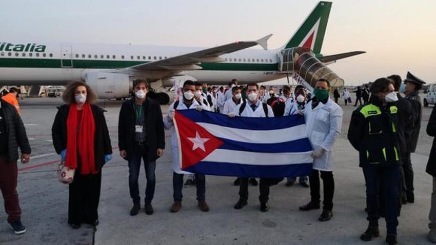 Llegan médicos cubanos a Lombardía, la región más afectada por el Covid-19 en Italia