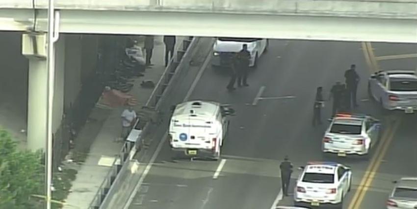 Encuentran un cuerpo debajo del Dolphin Expressway cerca del Downtown de Miami