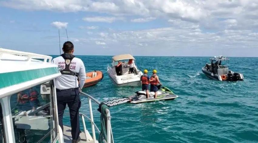 Dos personas son rescatadas cerca de Haulover Beach en Miami, luego que su bote comenzase a hundirse