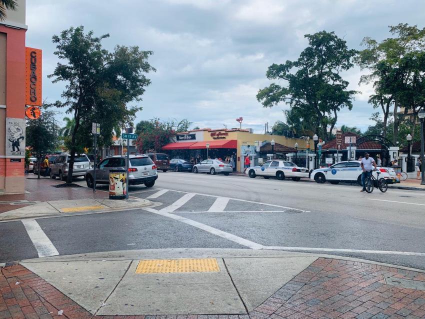 Condado de Miami-Dade anuncia restricciones en bares, restaurantes y clubs debido al coronavirus
