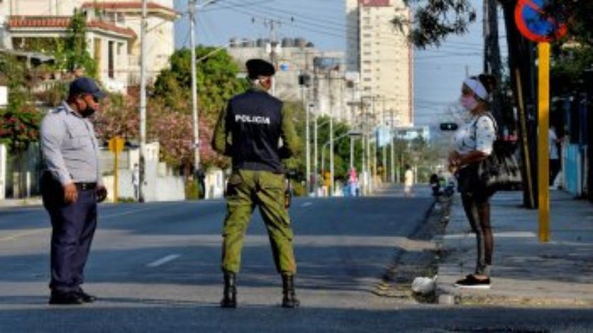"""Crispación en La Habana por el exceso de multas debido a supuestas """"violaciones"""" de las medidas sanitarias"""