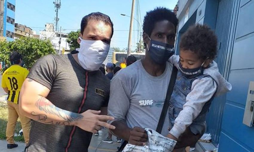 Logran sacar de la calle a un cubano y a su hijo que se quedaron sin techo en Perú, en medio de la pandemia