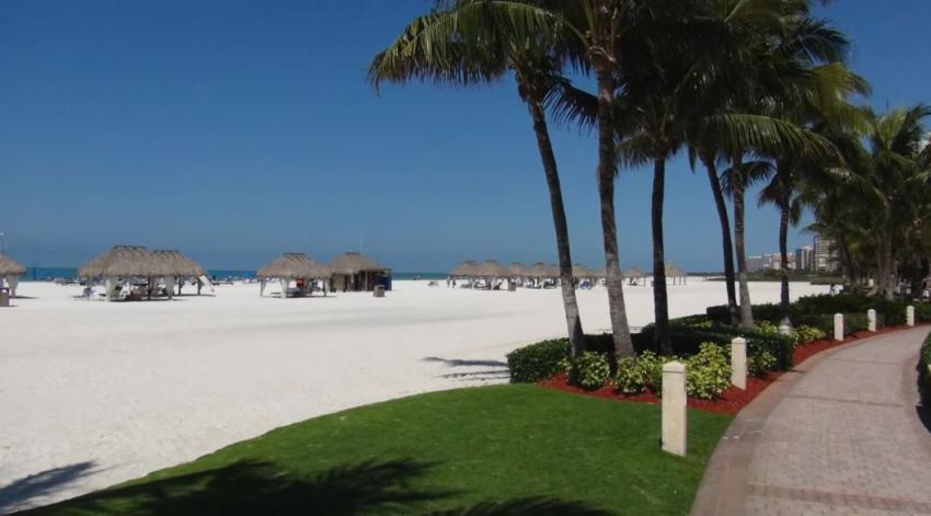 Comisionados de una ciudad en Florida aprueban abrir el acceso a la playa