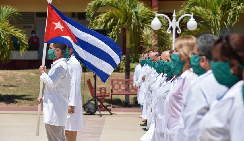Cuba envía 214 médicos a Angola donde solo hay 19 casos de coronavirus confirmados