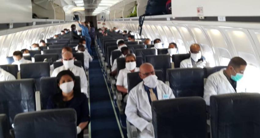 Cuba envía 20 médicos cubanos a Honduras para combatir el coronavirus