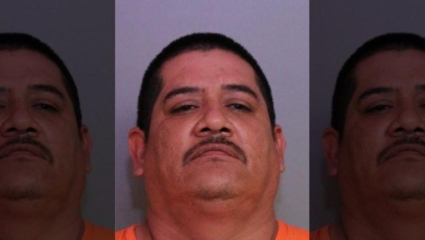 Un padre hispano de la Florida es acusado de poseer material explícito de menores