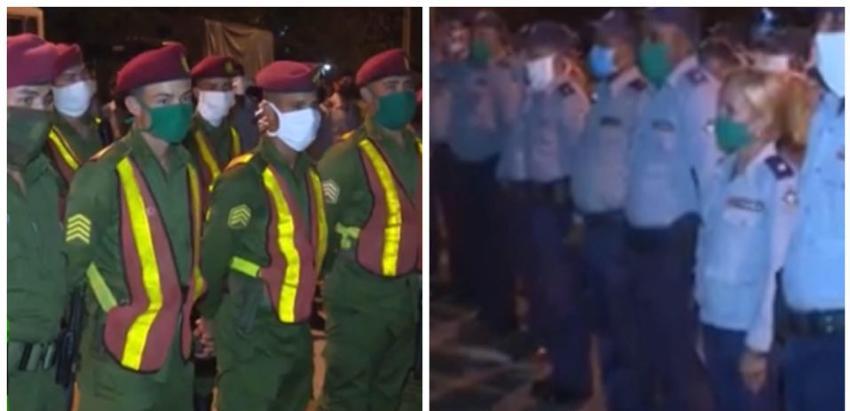 Oficiales de la policía y tropas especiales toman las calles de Cuba en las noches, para que se cumpla el confinamiento por el Covid-19