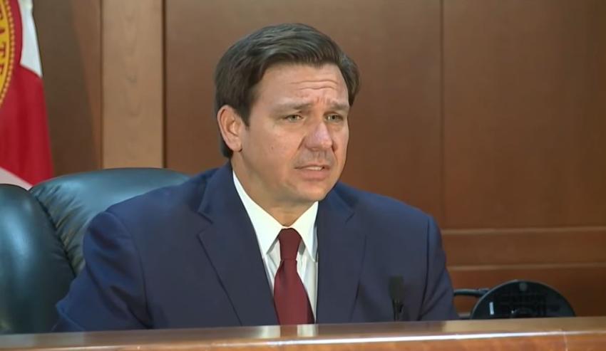 Gobernador de Florida se plantea abrir las escuelas en Mayo