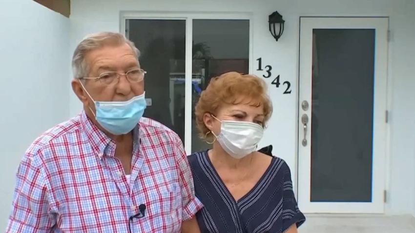 Un incendio acabó con su casa en Hialeah, pero esta pareja de ancianos acaba de vivir un milagro al recuperar su hogar