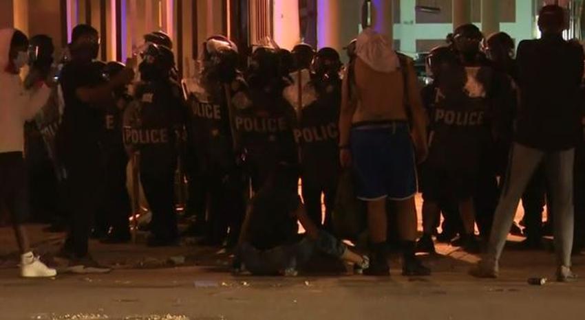 Policía de Miami Dade lleva a cabo 38 arrestos durante las protestas en el Downtown de Miami