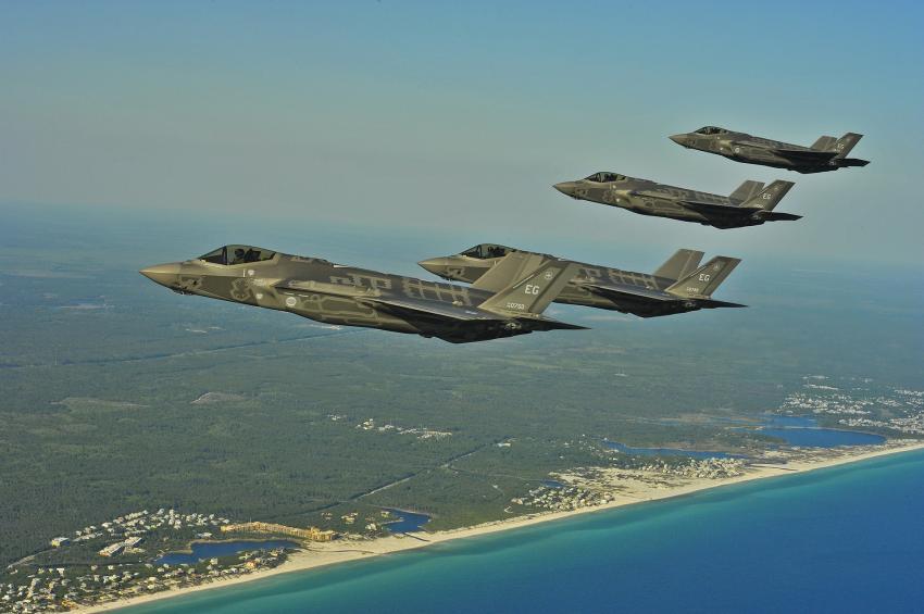 Se estrella avión militar F-35 cerca de base militar en la Florida; segundo que se cae en solo días