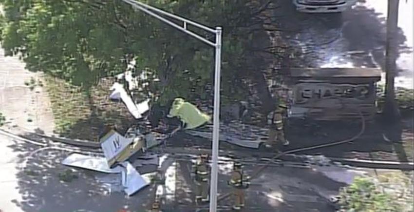 Avioneta se estrella en Pembroke Pines a la salida de un banco Chase