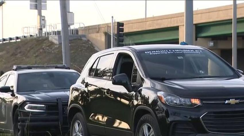 Dos hombres se bajaron de sus autos para fajarse en el Florida Turnpike en Miami; uno de ellos iba armado