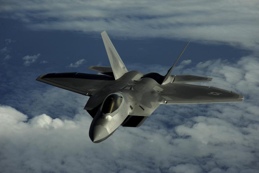 Avión de combate F-22 se estrella en las cercanías de la Base Eglin de la Fuerza Aérea de Florida