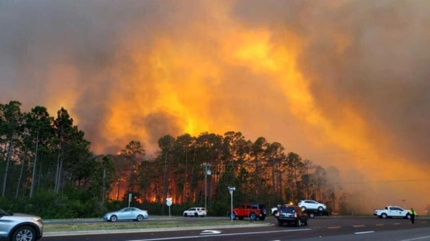 Unas 1.600 personas han sido evacuadas en las últimas horas por incendios forestales en Florida Panhandle