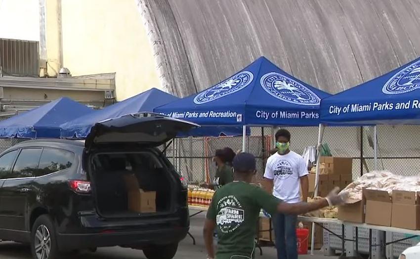 Comisionado Joe Carollo y la ciudad de Miami organizan entrega de alimentos diaria