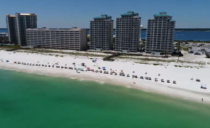 Navarre Beach en el noroeste de Florida abrirá sin limites de horario