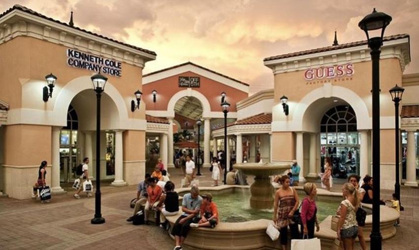Abren centros comerciales Outlets en Orlando como parte de fase 1 de reapertura de la Florida