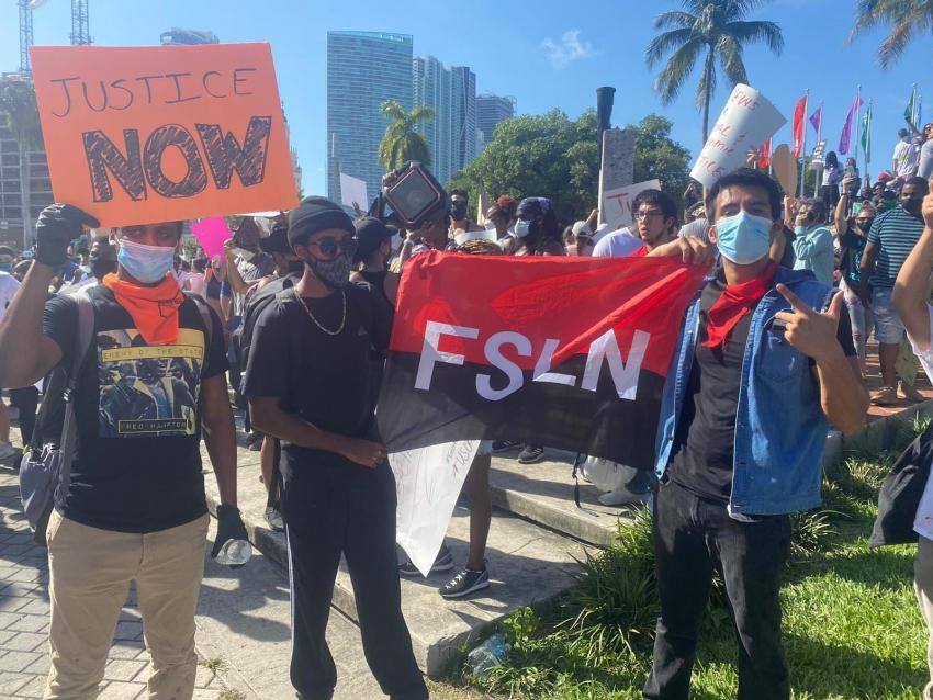 Comunistas latinoamericanos se encontraban presentes en las protestas del Downtown de Miami