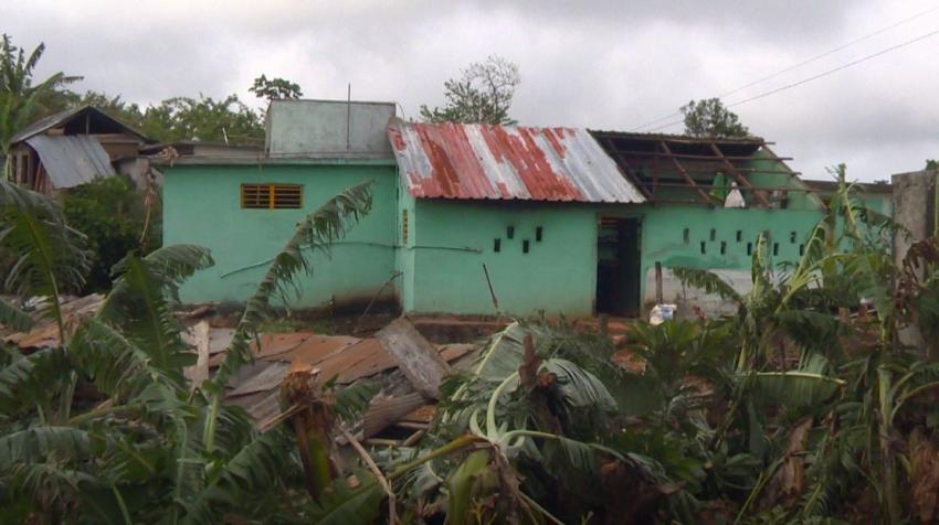 Un tornado en Guantánamo hace estragos en viviendas y plantaciones; no se reportan lesionados