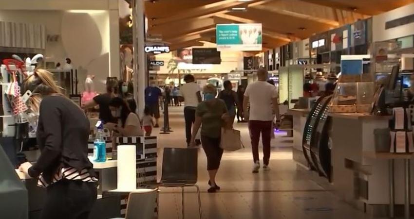 Westland Mall de Hialeah reabre sus puertas y cientos de personas van a visitar