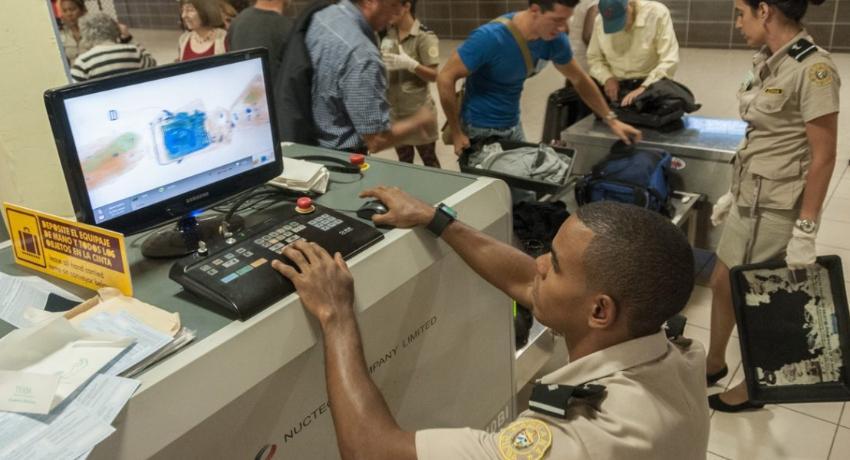 Aduana de Cuba mantiene bajo custodia 280 contenedores y más de 47 000 bultos que no ha descargado, por la pandemia de Covid-19