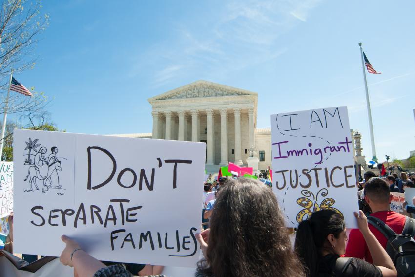Corte Suprema de Estados Unidos bloquea los esfuerzos de Trump por cancelar el programa DACA