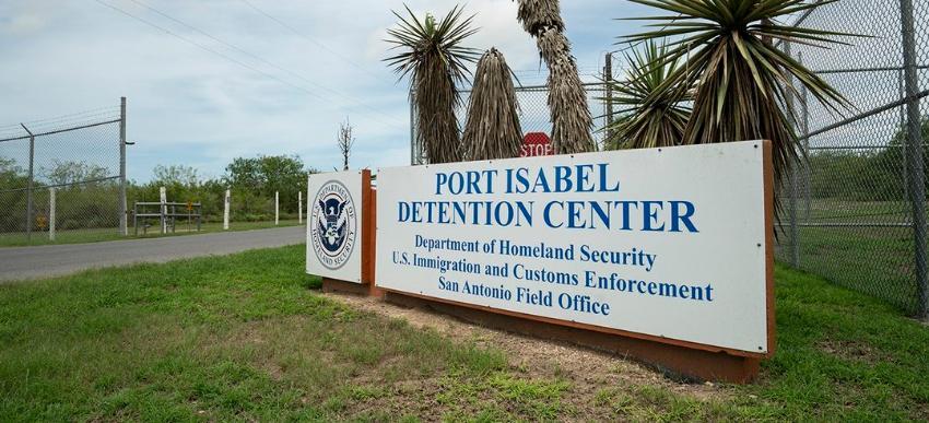 Cubano con orden de deportación detenido en Texas, se encuentra en huelga de hambre