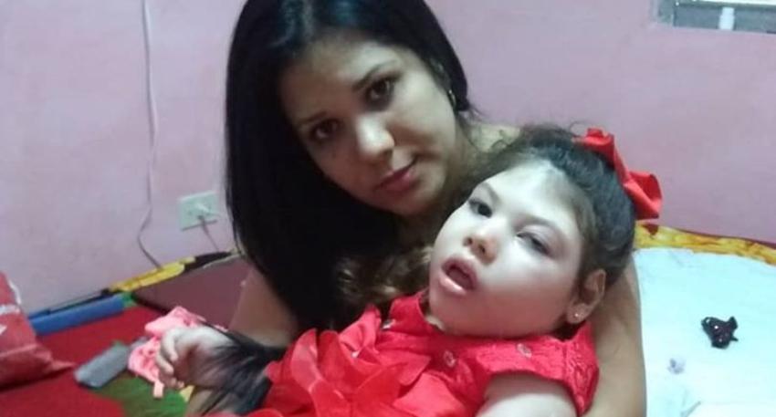 Familia busca una visa humanitaria para que una niña cubana con Síndrome de West sea tratada en EEUU
