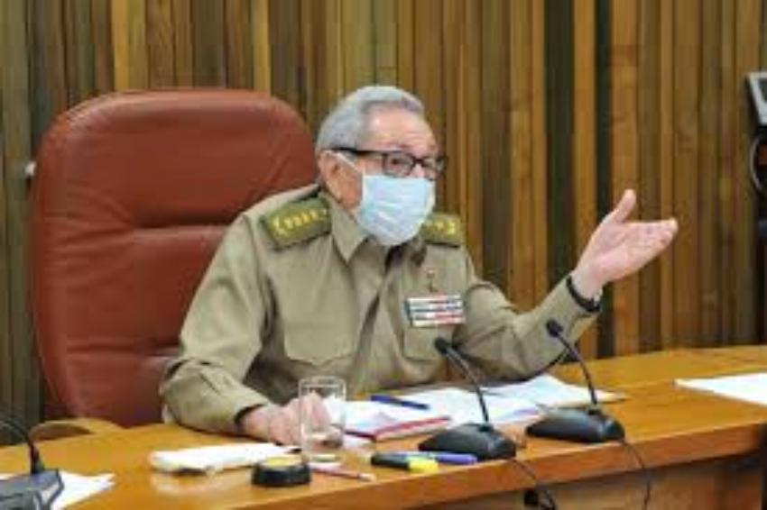 Reaparece Raúl Castro para presidir reunión del PCC que evaluó la desescalada de la pandemia en Cuba