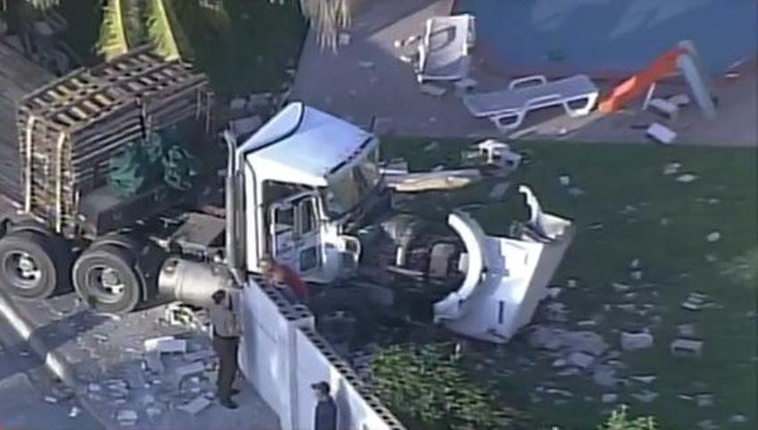 Camionero de Miami muere luego de sufrir un infarto y chocar el camión contra una casa en Kendall