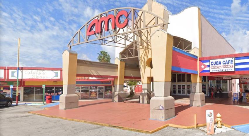 AMC Theatres reabrirá sus salas de cine en julio