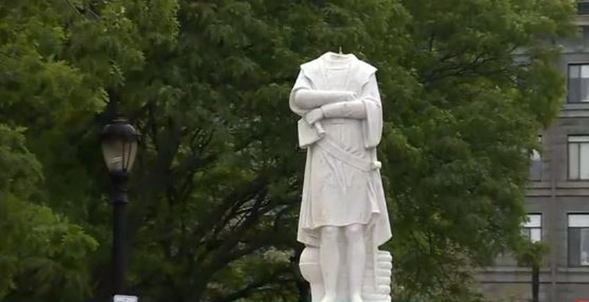 Decapitan estatua de Cristóbal Colón en Boston en señal de protesta