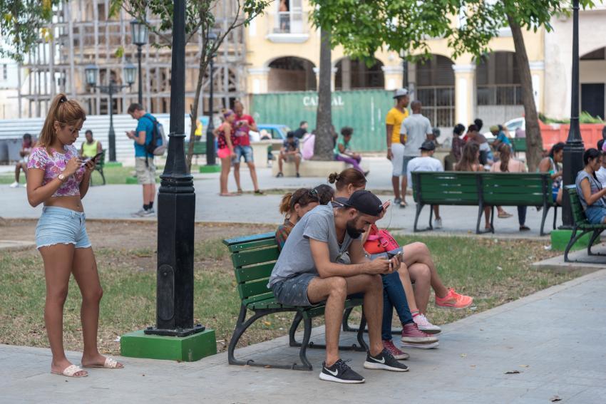 Monopolio de telecomunicaciones cubano, ETECSA, anuncia afectaciones en sus servicios toda esta semana