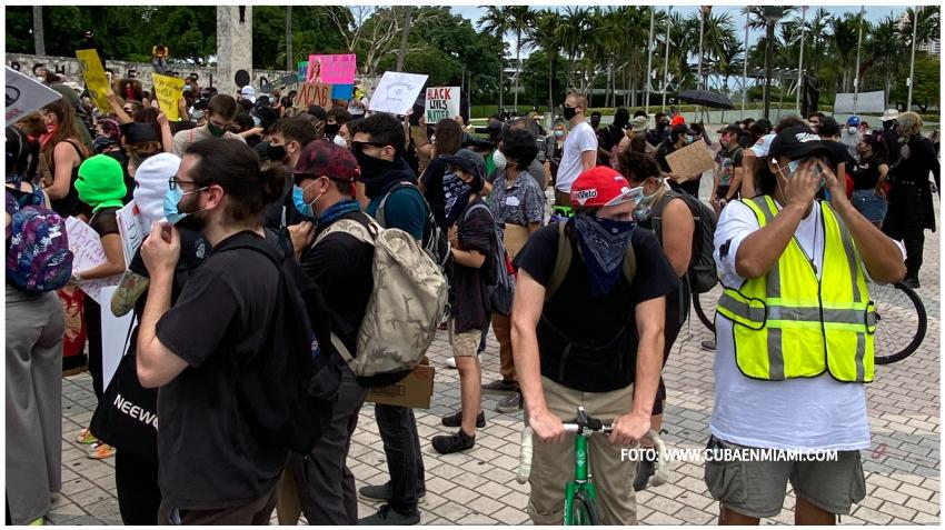 Los casos diarios en Florida superan la barrera de los 4000; 4,049 en 24 horas