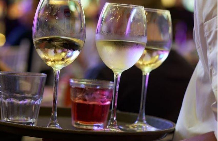 Miami Beach aprueba resolución que prohíbe venta de alcohol luego de las 2 am